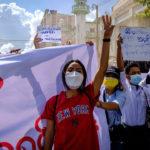 """Birmanie: six mois après le coup d'État, le chef de la junte promet des élections """"d'ici deux ans"""""""