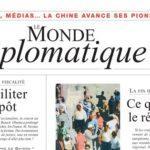 MmeMichèle Alliot-Marie emportée par la foule